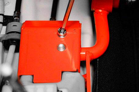 Bestelbus beveiligen met een versnellingsbakslot